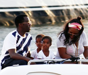 More Diddy, Kim Porter, & The Twins Get White Hot In St. Barts [Photo]