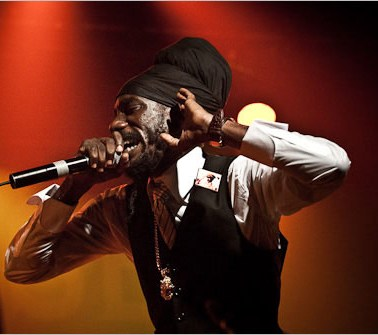 Sizzla Kalonji Perform At Sting 2010 [Video]