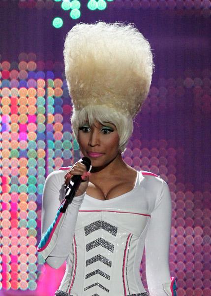 Nicki Minaj on stage 3