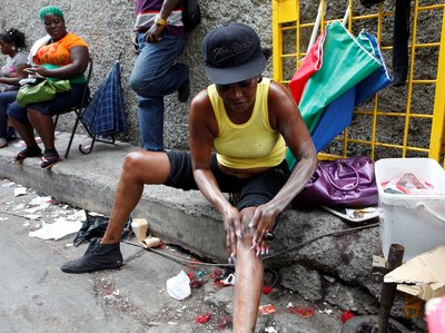 Skin Bleaching In Jamaica At An All Time High - Dancehall ... Cake Soap Bleaching Cream