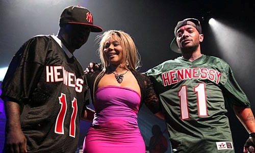 Mobb Deep Brings Out Lil' Kim For New York Performance [Video]