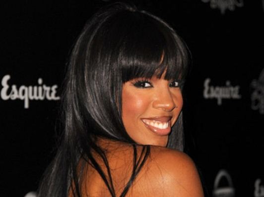 Video: Kelly Rowland Singing In The Shower