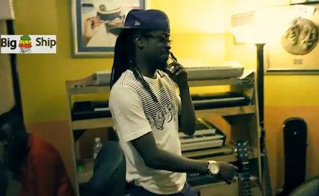 "Beenie Man Recording ""Come Ova"" At Big Ship Studio [Video]"