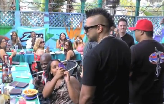 Video: Sean Paul Having Private Lunch Witn Fans