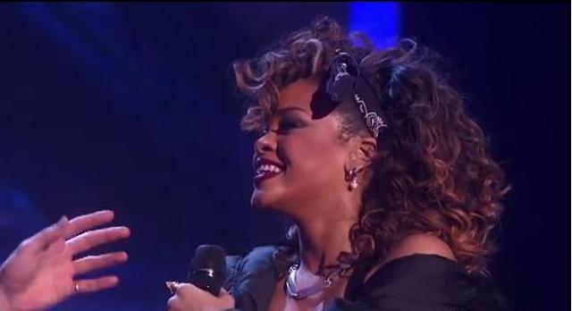Rihanna-X-Factor-performance