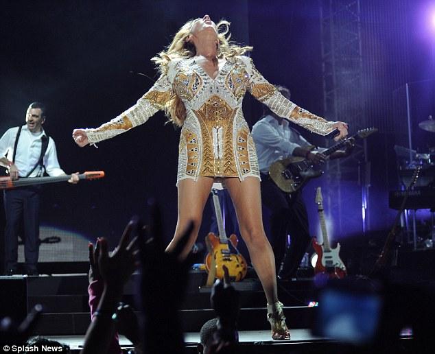 Celine Dion Wardrobe malfunction jamaica