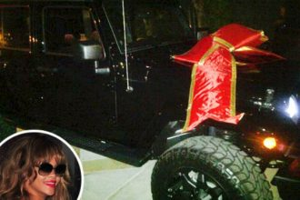 PHOTO: Rihanna Gets a New Ride From Roc Nation