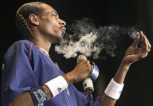 snoop-dogg-smoking-weed-1.jpeg