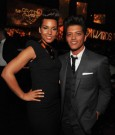 ALICIA KEYS AND BRUNO MARS 2012 grammys