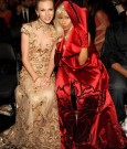 TAYLOR SWIFT AND NICKI MINAJ 2012 grammys