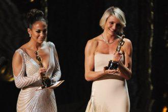 Jennifer Lopez Nip Slip At The Oscar Awards [Photo]