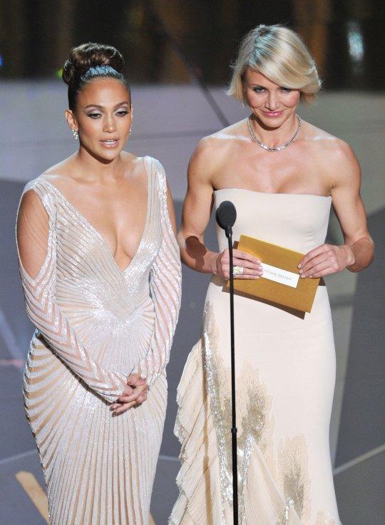 Jennifer Lopez Nip Slip At The Oscar Awards [Photo ...  Jennifer Lopez ...