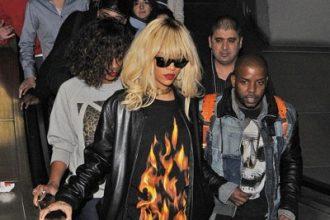 Rihanna Ride The Tube En Route To Drake Concert [Photo]