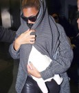 beyonce holding blue ivy