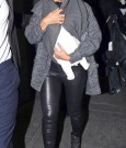 beyonce holding blue ivy 2