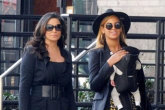 Beyonce Takes A Stroll With Blue Ivy In New York City [Photo]