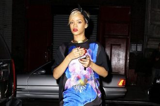 Rihanna Visits Blue Ivy Carter Despite Rumors Of Being Banned [Photo]