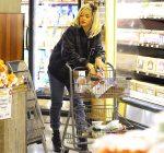 rihanna grocery shopping 2