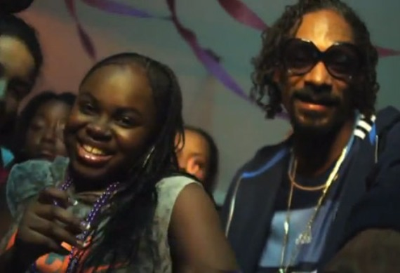 Snoop dogg crashes his daughter s party in cori b s new music