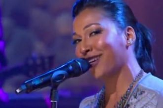 VIDEO: Melanie Fiona Performs On Live! With Kelly
