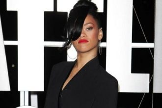 """Rihanna Suits Up For """"Battleship"""" Premiere In Australia [Photo]"""