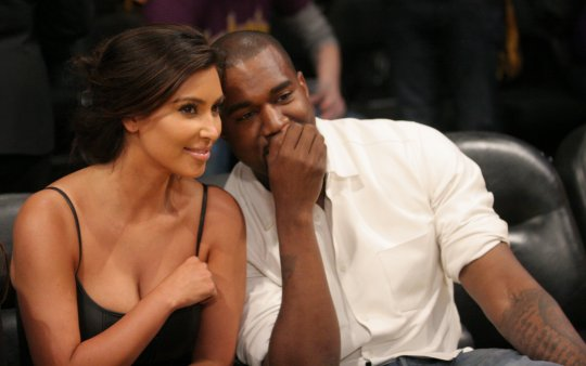 kanye west and Kim Kardashian courtside 1