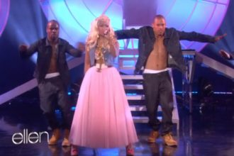 """Nicki Minaj Performs """"Starships"""" And """"Right By My Side"""" On Ellen [Video]"""