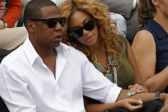 Beyonce Bought A Private Jet For Jay-Z For Fathers Day [DETAILS]