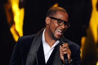 R. Kelly Sick, Cancels New York Appearances, May Miss Reggae Sumfest AGAIN [DETAILS]