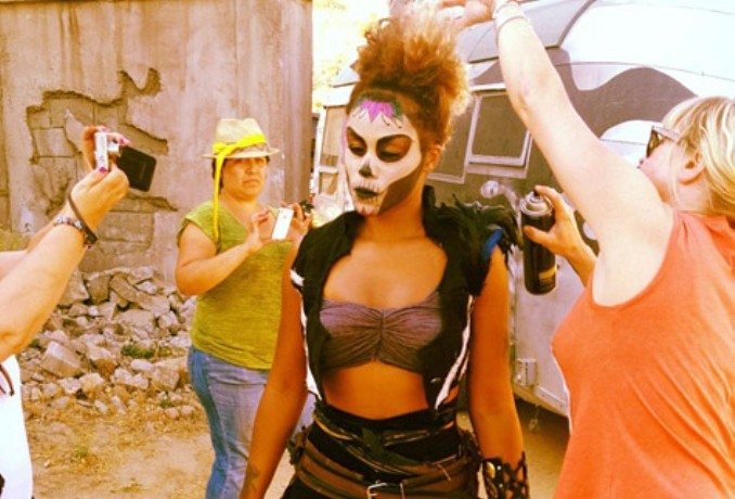 "Eve On Set ""Bounty Killer"" Movie [Photo]"