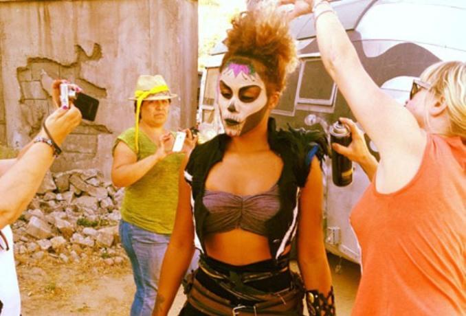 "Eve On Set ""Bounty Killer"" Movie [Photo]"