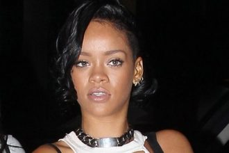 Rihanna Steps Out In NYC For The First Time Since Chris Brown And Drake Fight [Photo]