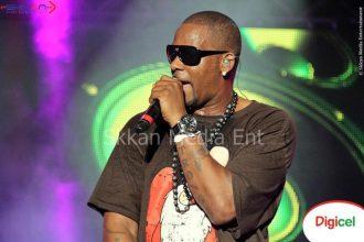 R. Kelly A Hit, Trey Songz A Miss At Reggae Sumfest [Video]