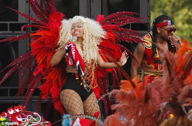 nicki minaj machel montano trinidad Nicki Minaj Pound The Alarm Video Shoot In Trinidad [Videp/Photo]