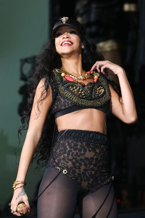 rihanna wireless festival 13