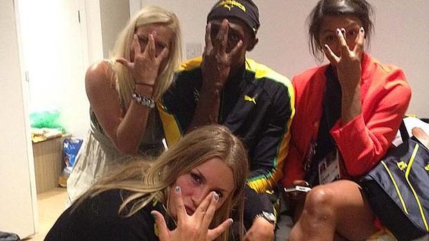 Usain Bolt gaza sign olympics