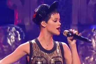 Rihanna Sizzles At iHeartRadio Music Festival 2012 [Video]