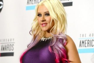 Christina Aguilera Shows Off Her New Booty In Skin Tight Dress [Photo]