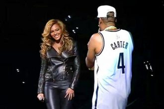 Jay-Z Surprised Fans By Bringing Out Beyonce On Final Barclays Concert [Video]