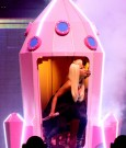 nicki minaj tour uk 2