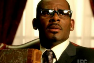 "R. Kelly Gives A Sneak Peek Of His New ""Trapped In The Closet"" [VIDEO]"