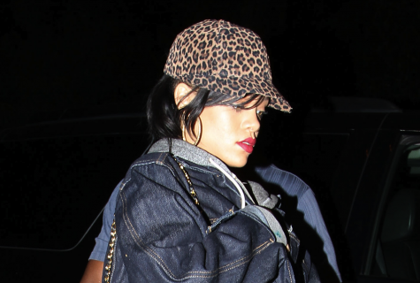 Rihanna To Offer 250 Special Edition Quot Unapologetic Quot Album