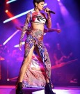 rihanna perform azerbaijan 6