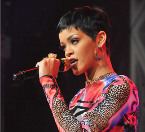 rihanna perform azerbaijan 7