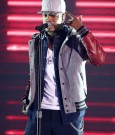 neyo perform halo awards