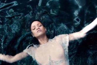 Rihanna – Diamonds [Music Video]