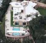 Rihanna california mansion pic