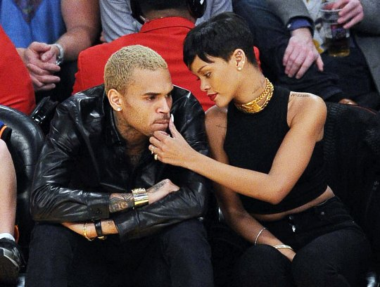Rihanna chris brown lakers game 2012