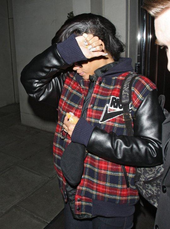 Rihanna hide