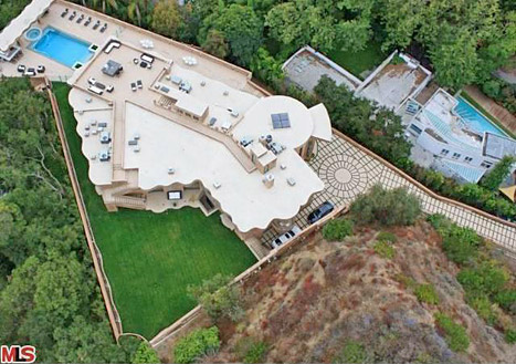 Rihanna new house mansion pic